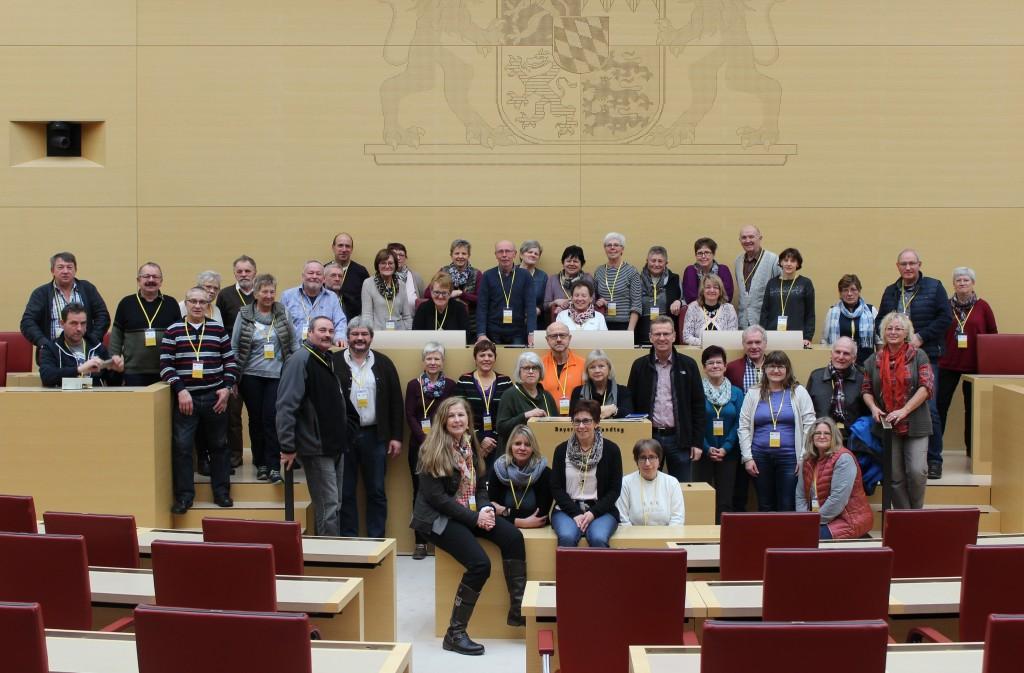 Gruppenbild Im Plenarsaal