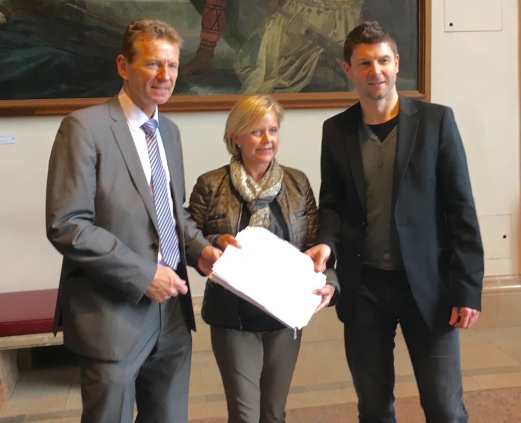 Günther Felbinger im Gespräch mit der Bezirksfachschafts-Vorsitzenden Unterfranken, Christine Starz und BLLV-Vizepräsidenten Tomi Neckov