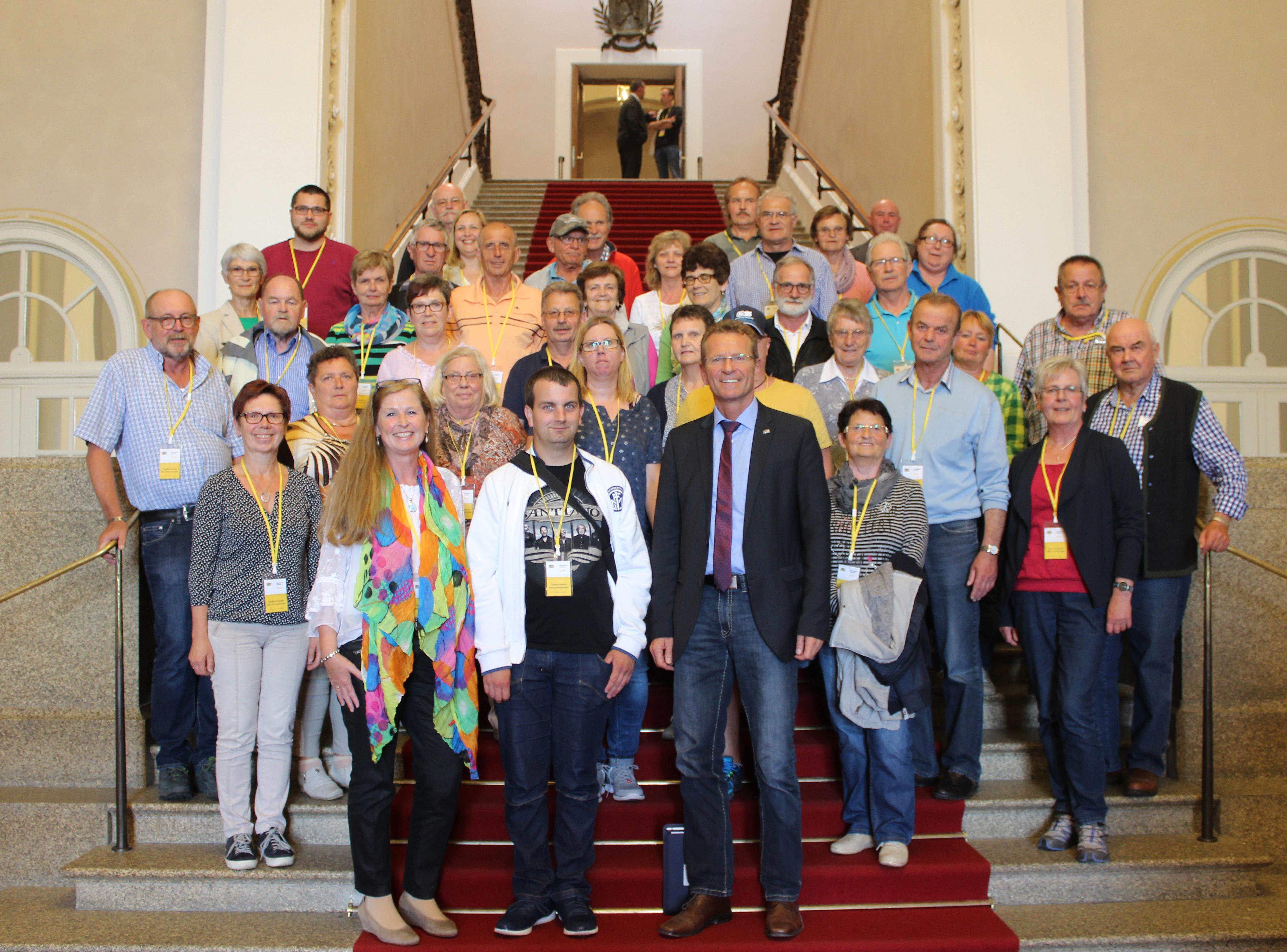 Besuchergruppe-mit-MdL-Günther-Felbinger-im-Bayerischen-Landtag